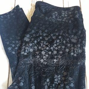 Lularoe Black and White Lace Design Leggings - TC